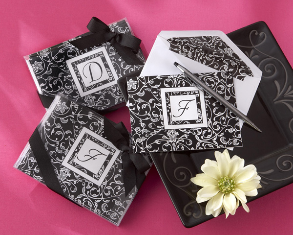 ?Letter Perfect? Elegantly Monogrammed Note Cards (Giftboxed)