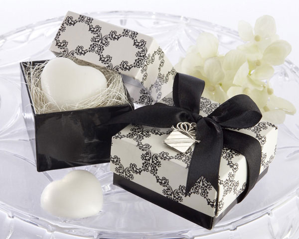 Gift Boxed Heart Mini-Soap with Heart Tag