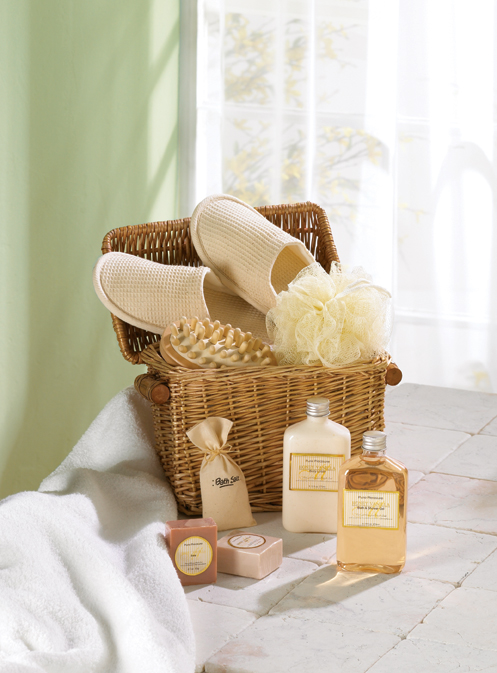 Spa Pamper Set With Slippers & Baskets